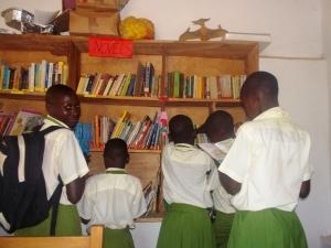 Volunteer Teaching in Uganda